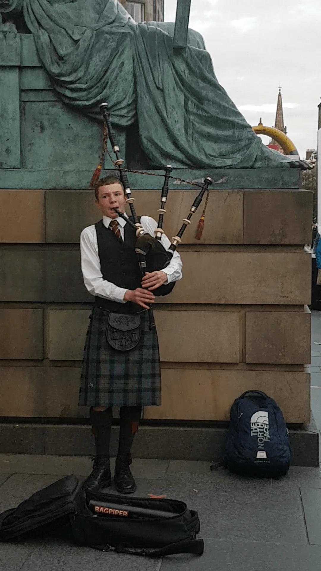 Bagpipes at the Edinburgh Festival #fromthecornertable