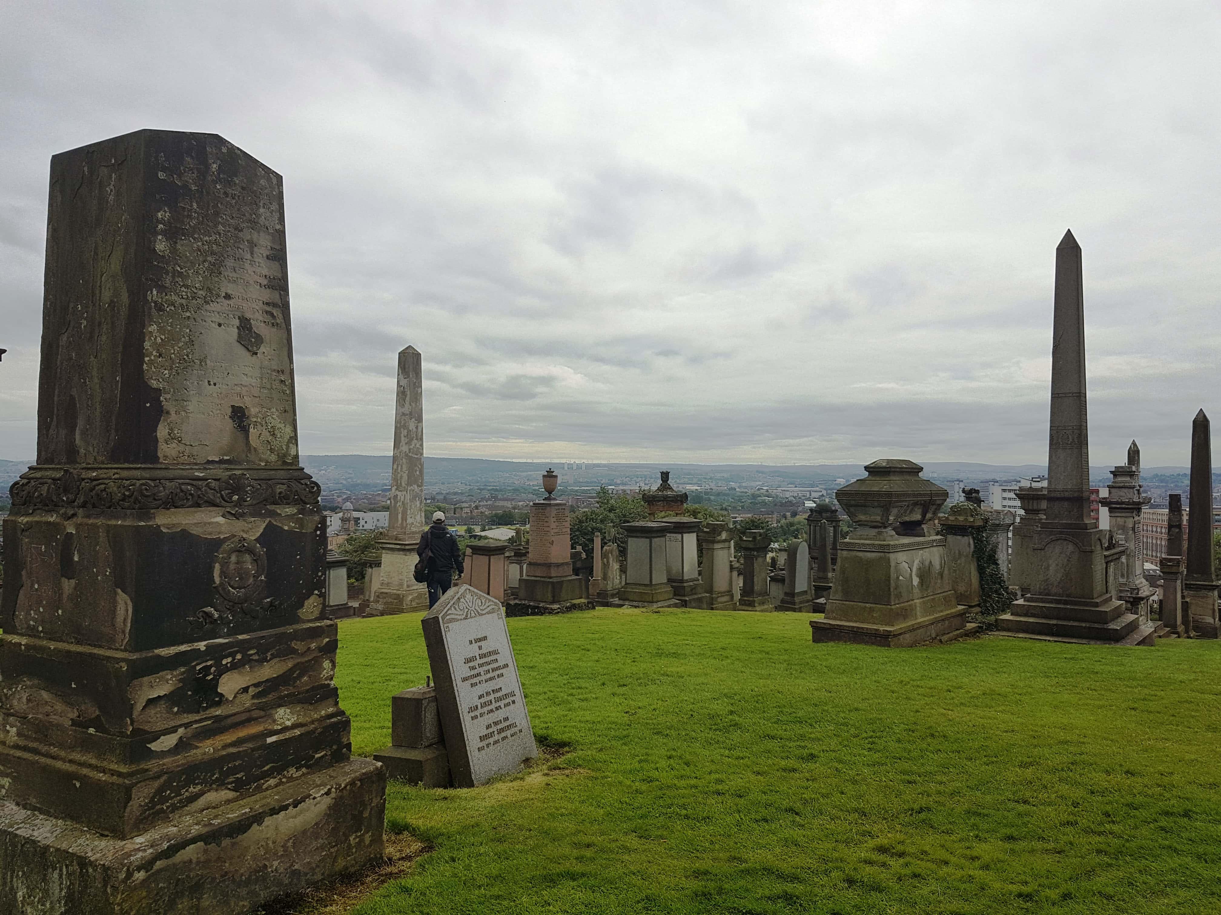 tombstones at Glasgow Necropolis, #fromthecornertable
