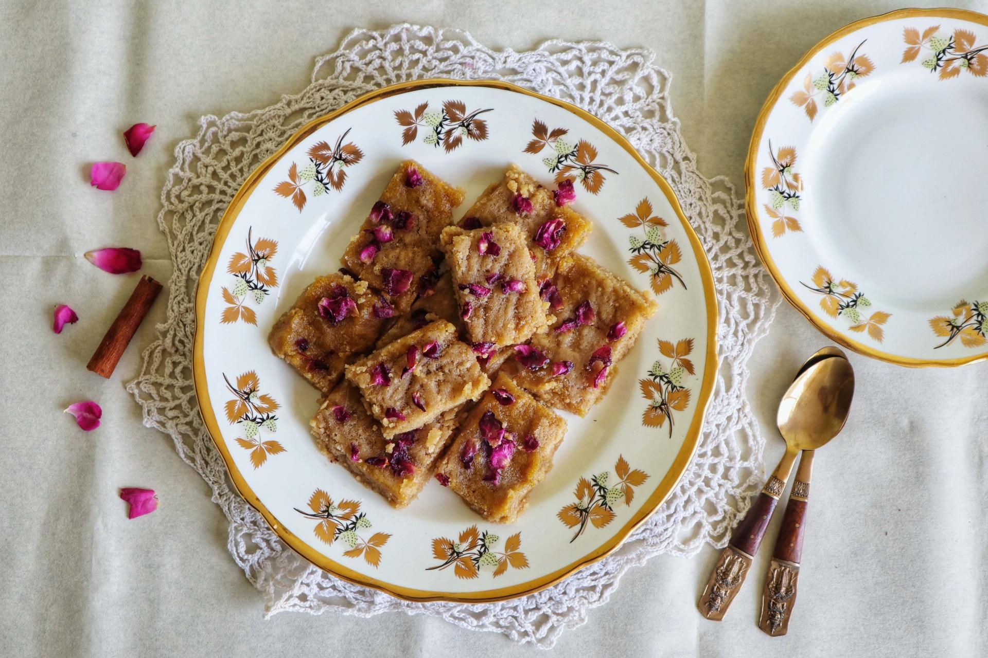 rose cinnamon halva, ter khalvasy, halva, dessert, sweets, wheat flour, Diwali, fromthecornertable, from the corner table, traveltuckintalk